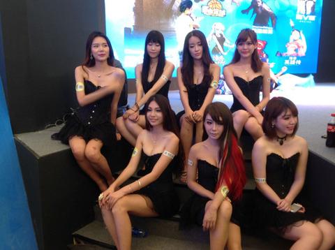 【フルボッキ不可避】台湾美女の巨乳谷間の強調率が異常wwwwwwwwwwww(画像あり)・28枚目の画像