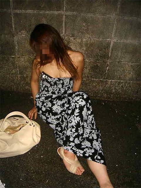 【※レイプ寸前】酒弱い女が無理して飲んだ結果wwwwwwwwwwww(画像あり)・18枚目の画像