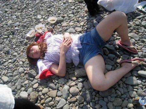 【※レイプ寸前】酒弱い女が無理して飲んだ結果wwwwwwwwwwww(画像あり)・5枚目の画像