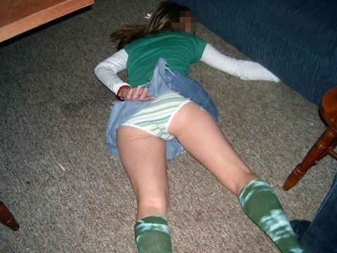 【※レイプ寸前】酒弱い女が無理して飲んだ結果wwwwwwwwwwww(画像あり)・21枚目の画像