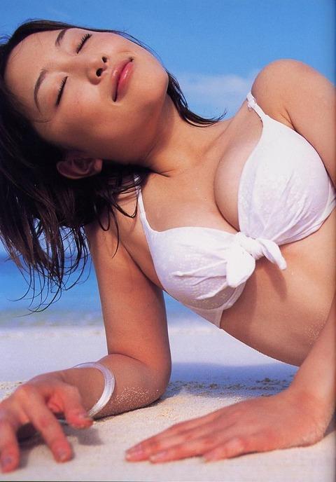 杏さゆりの若い頃の水着グラビアエロ画像 016